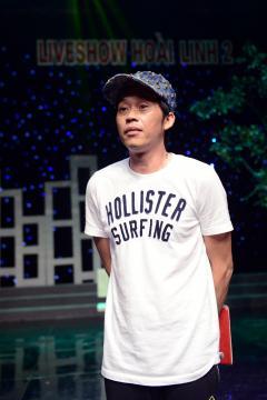 Hoài Linh ăn mặc bình dân tập kịch ở Hà Nội
